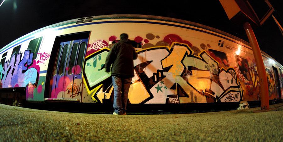 No Flash / Graffiti #3