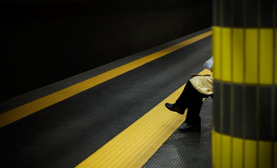 Waiting The Tube